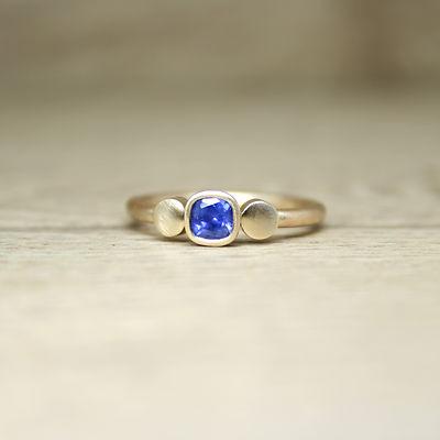 4mm sapphire gold dot ring 1.jpg