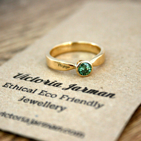 18ct Recycled Yellow Gold Ring with Apple Green Diamond