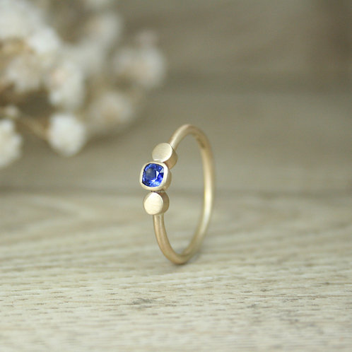 Gold Cushion Cut Sapphire Ring - Dot Collection