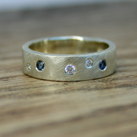 Recycled White Gold Scattered Sapphire Ring