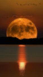 la lune unie au soleil