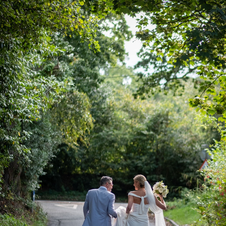 Classic whites for Caroline and Ben in the New Forest.