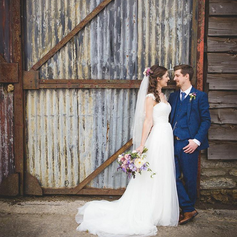Country pastels for Holly's Dorset Wedding.