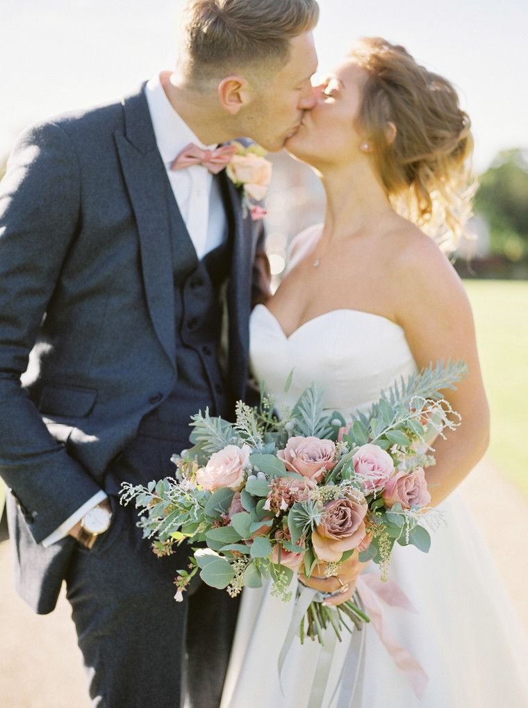 Blushing Romance for Laura and Andy at St Giles House