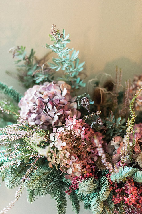 Faded Noel Christmas Garland | Dorset Flower delivery