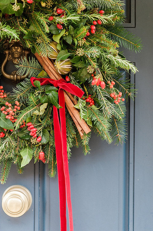 Very Merry Berry Christmas Wreath   Dorset Florist and Flowers
