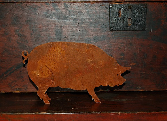 Primitive Rusty Pig - Medium Size
