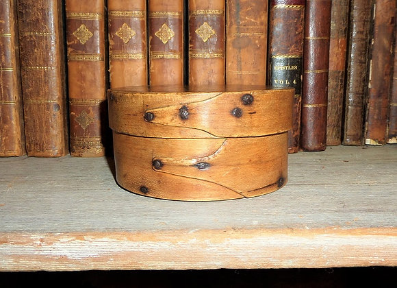 Circa 1800 Enfield or Alfred Shaker Community Round Pantry Box