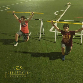 feel the burn with those lunges boys