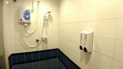 Family 4 Pax Room En-Suite Bathroom