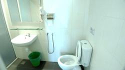 Superior Queen Room En-Suite Bathroom