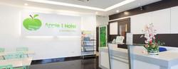 Apple 1 Hotel Queensbay Lobby 2