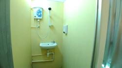 Super Budget Room En-Suited Bathroom