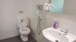Deluxe Twin Room En-Suite Bathroom