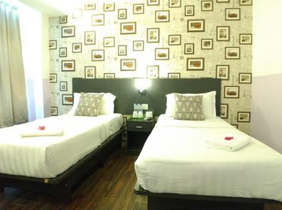 Business Suites Room