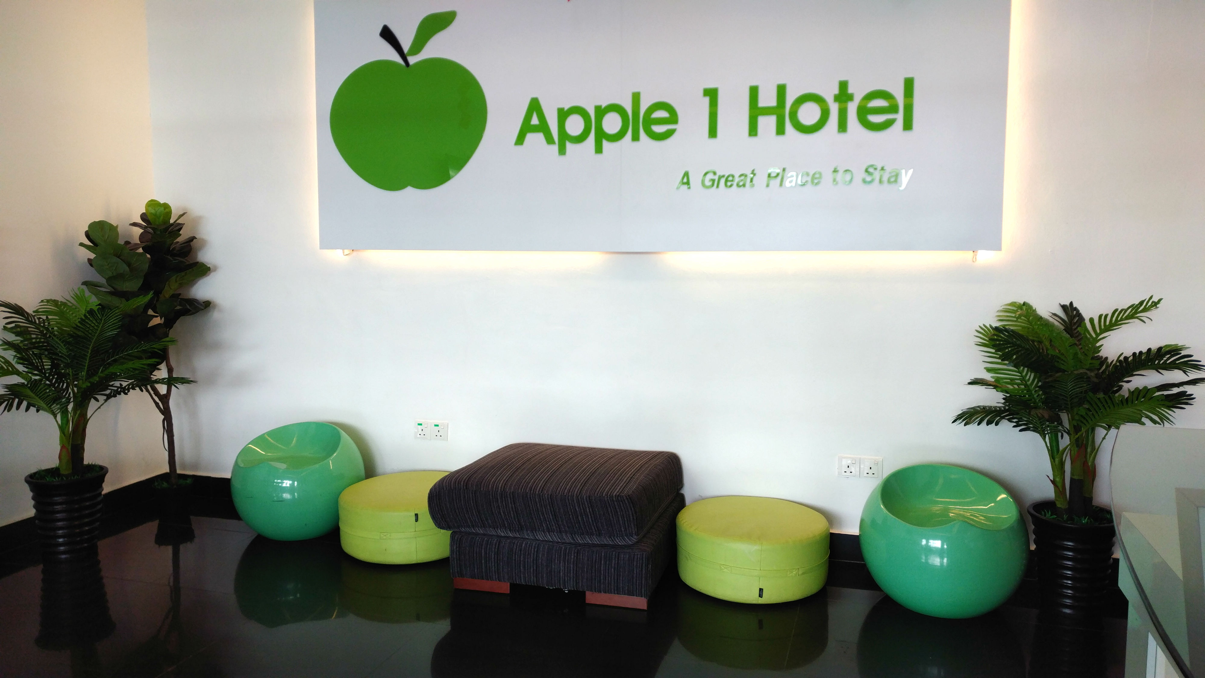 Apple 1 Hotel Queensbay Lobby Area