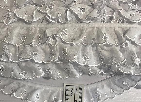 25mm Cambri lace gathered