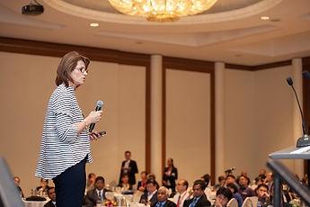 Keynote-Speaker-Culture-and-Leadership.j