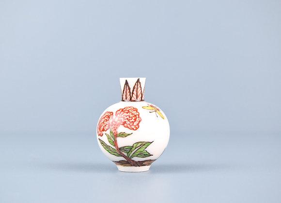 Miyu Kurihara × Yuta Segawa Miniature No.24 'Camellia and butterfly'