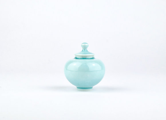 No. E63 Yuta Segawa Miniature Pot & Cover  Medium