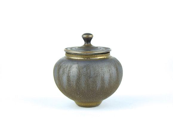 No. K122 Yuta Segawa Miniature Pot & Cover Large