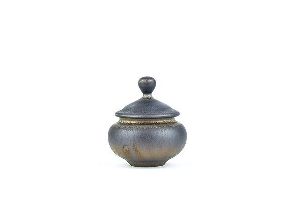 No. E101 Yuta Segawa Miniature Pot & Cover Large