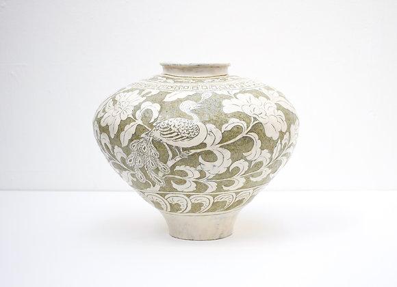 "Miyu Kurihara No.5 Large pot ""Peacocks and camelia flowers"""