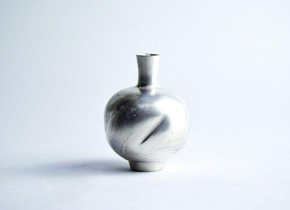 No. S17 Yuta Segawa Miniature Pot 'Silver' Medium