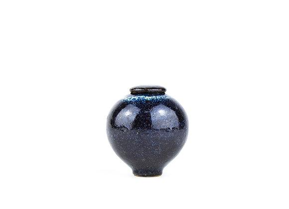 No. E38 Yuta Segawa Miniature Pot & Cover  Medium