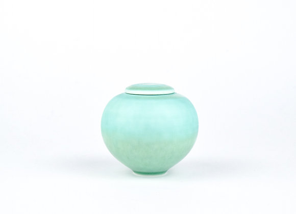 No. E27 Yuta Segawa Miniature Pot & Cover  Large