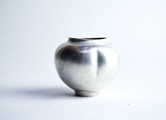 No. S31 Yuta Segawa Miniature Pot 'Silver' Large