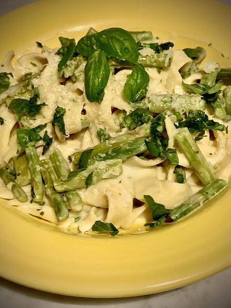 Lasagnette w:Asparagus, basil and meye l
