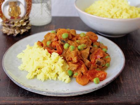 Auberginen-Tomaten-Curry mit Kurkumareis