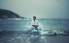 Men_Man_with_ship_in_the_sea_087872_.jpg