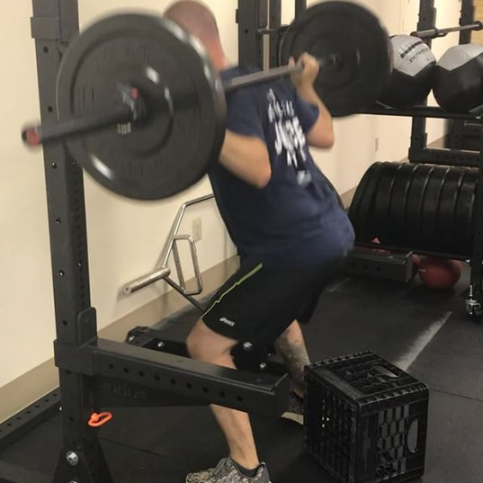 Low bar squats and bench press this morn