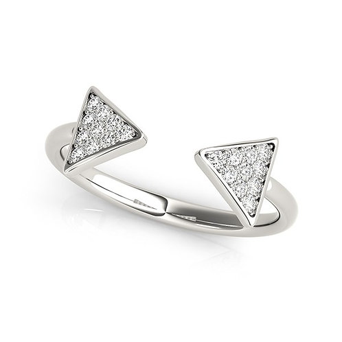 14k White Gold Diamond Arrowhead Open Ring (1/5 cttw)