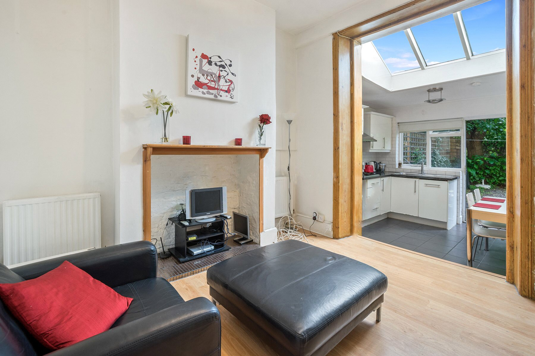 2-Bedroom--apartment-for-sale-in-Gascony-Avenue-West-Hampstead-NW6-WES080388_20 2