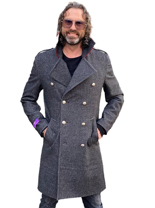 Military Style Mantel mit rotem Cord Kragen