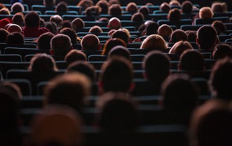 miembros de la audiencia