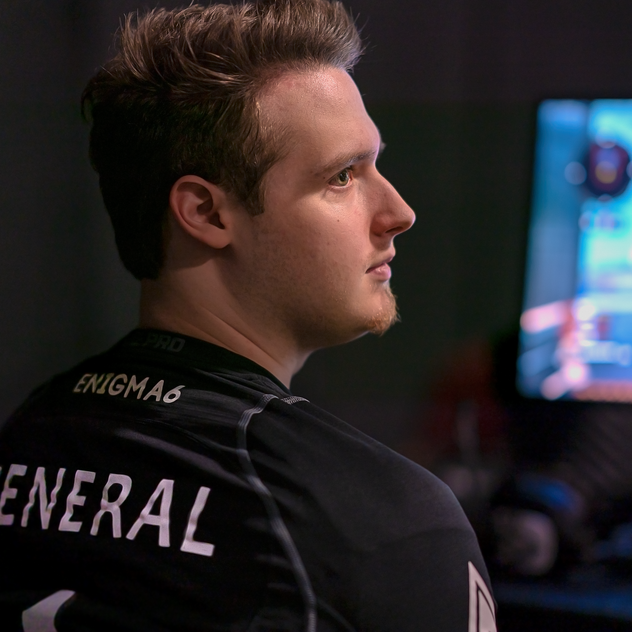 General+professional+call+ofduty+player+