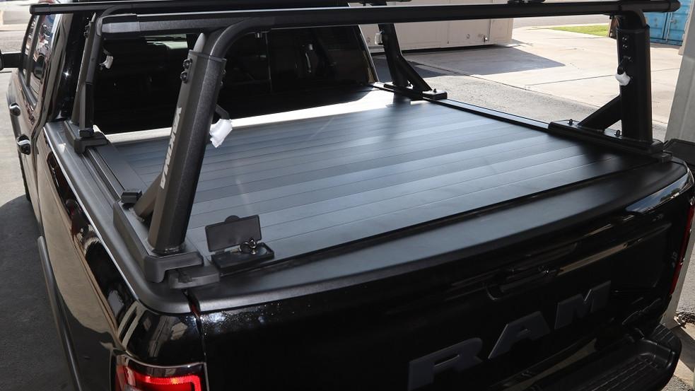 retraxpro xr yakima overhaul hd bed rack