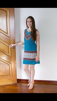 Vestido curto sem manga