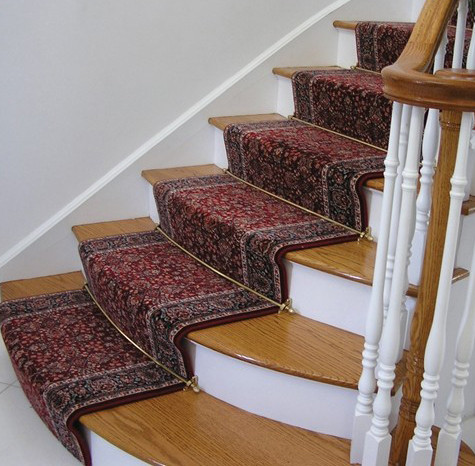 Stair case with curved steps
