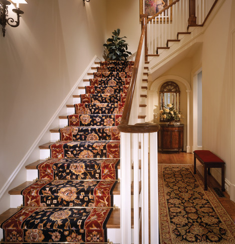 Stair case with a square landing
