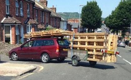 Trailer-load-of-pallets-300x184.jpg