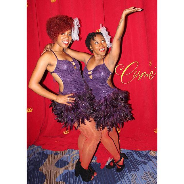 Tia & Christina 👯