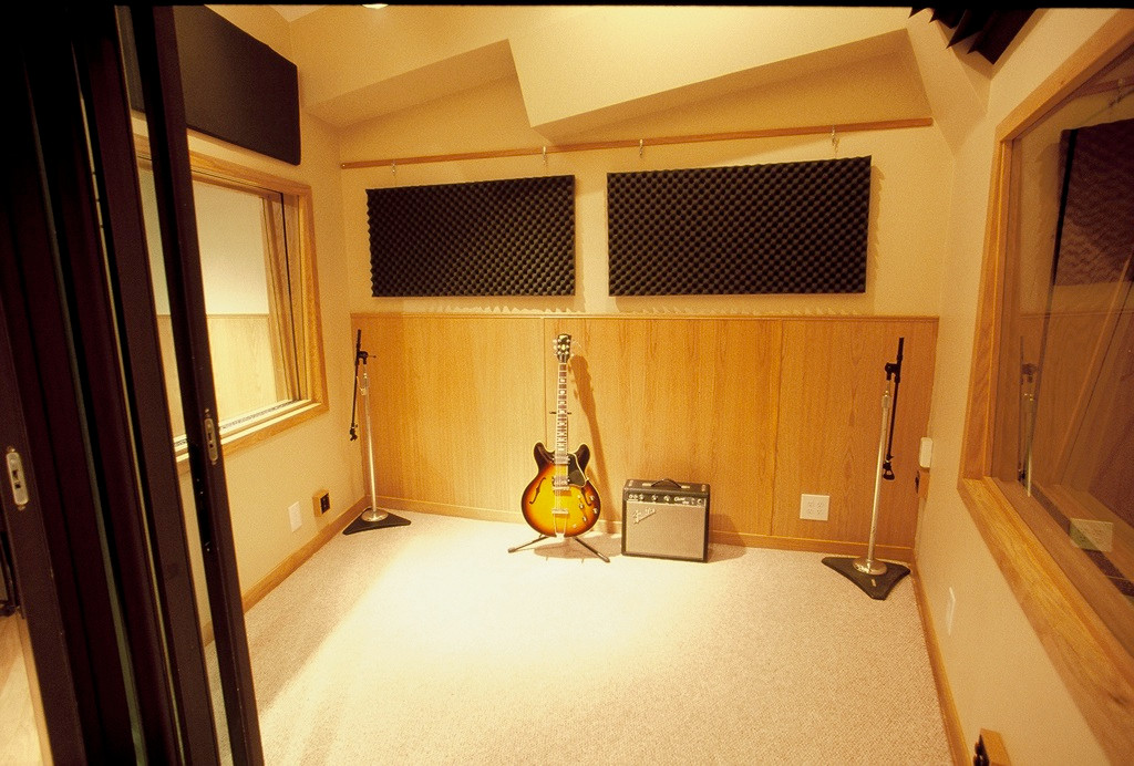 The drum booth / Iso#1