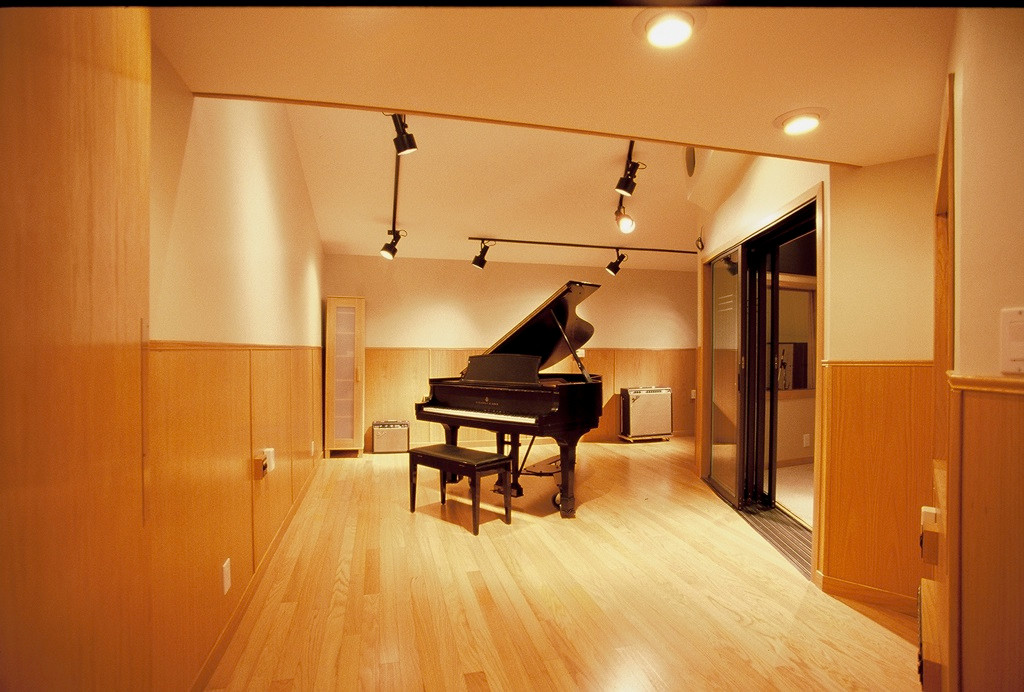 The live room and Steinway