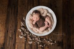 newborn photo baby girl
