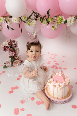 smash cake photos in St. Neots